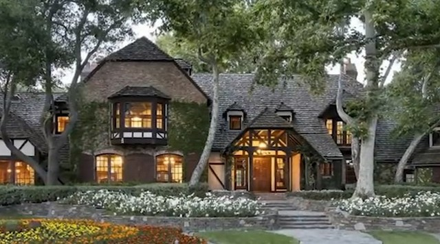 Ранчо Майкла Джексона сняли с продажи