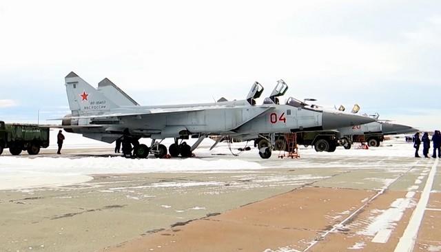 Дозаправка МиГ-31БМ на скорости 500 км/ч