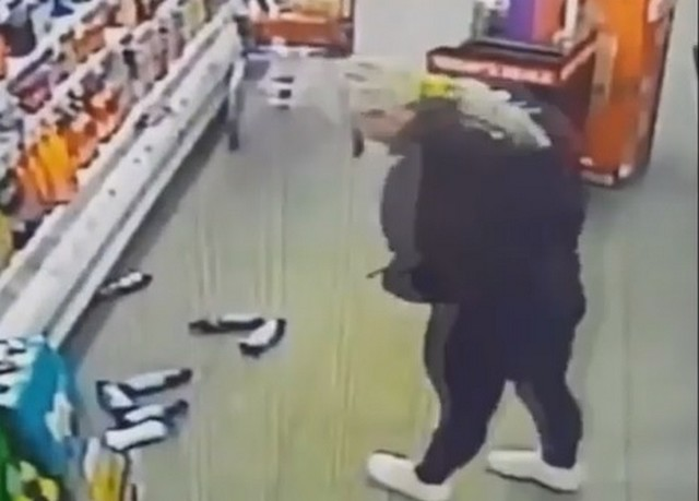 В американском супермаркете проказничает привидение Стейси