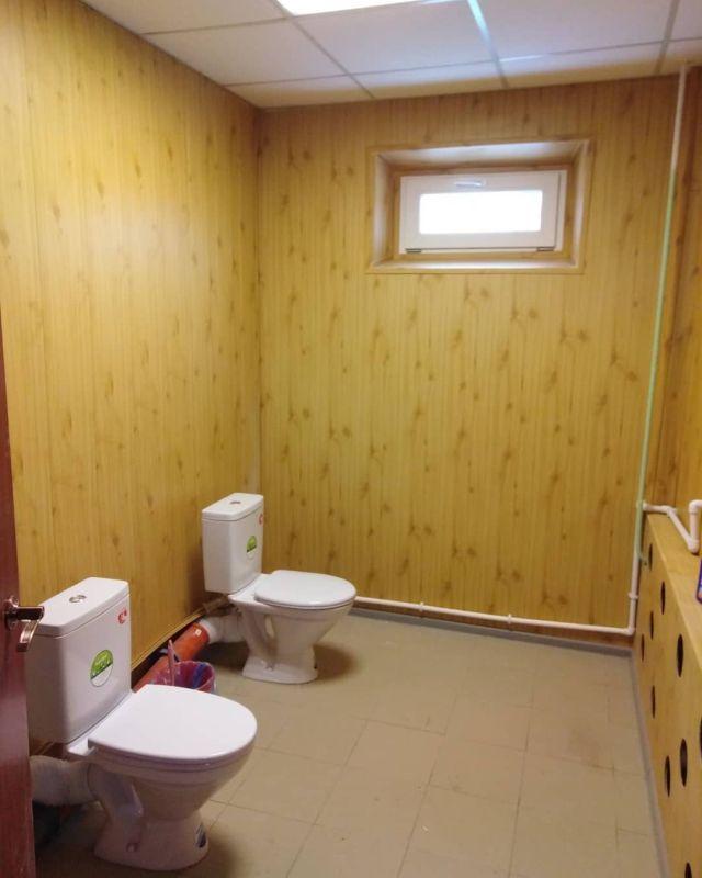 Сила прогресса: Глава Миасса показал, как преобразился школьный туалет после ремонта (2 фото)
