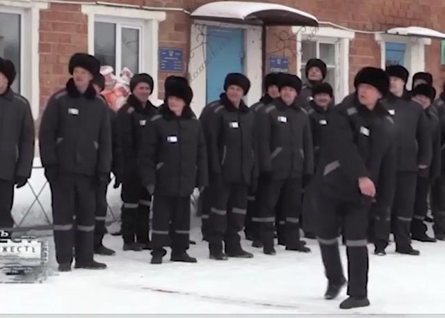 В Омске прошел необычный турнир по метанию этого предмета одежды