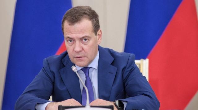 Дмитрий Медведев заявил, что правительство в полном составе уходит в отставку
