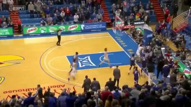 Массовая драка на баскетбольном матче