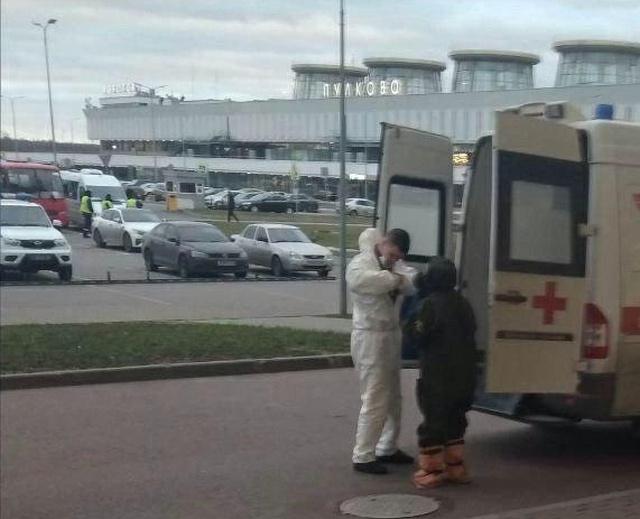 В Пулково экстренно госпитализировали мужчину с подозрением на китайский коронавирус (2 фото)