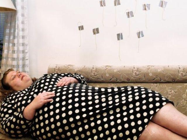 Художница из Финляндии Лиу Сусирая протестует против шаблонов, навязанных женщинам (10 фото)