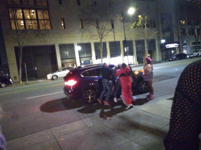 В США косплееры спасли женщину от нападения (3 фото + видео)