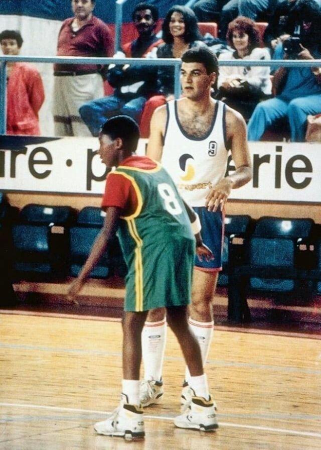Коби Брайнт: редкие архивные фотографии легенды баскетбола (14 фото)