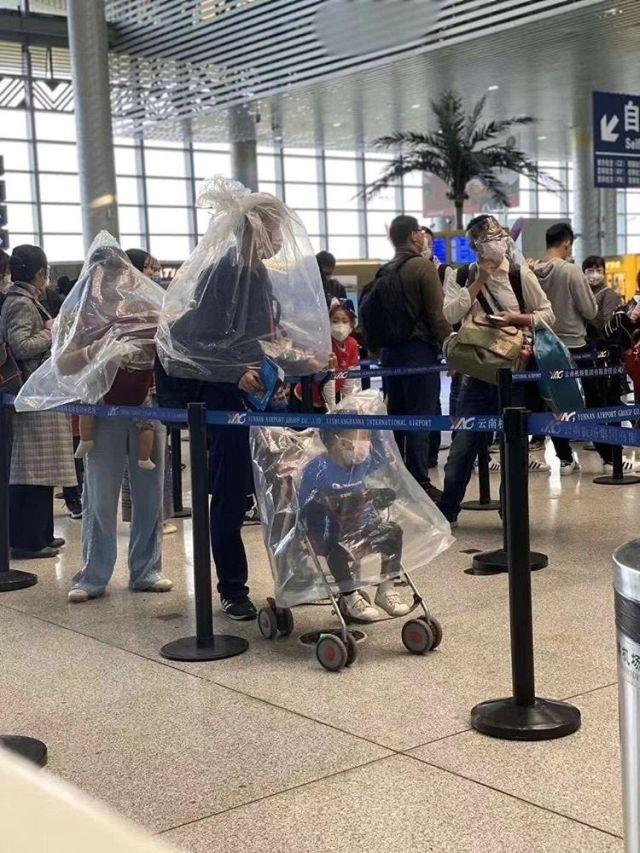 Китайцы мастерят самодельные маски для защиты от коронавируса (5 фото)