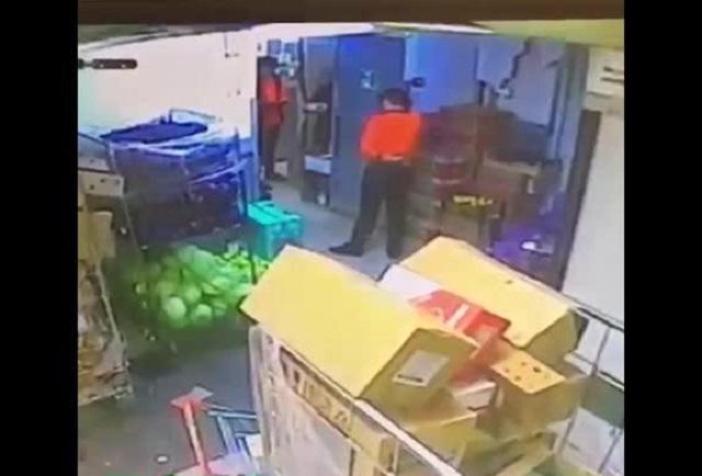 """В Москве кассир из """"Дикси"""" убил человека одним ударом, из-за того, что тот украл кофе"""