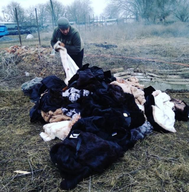 По решению суда в Батайске показательно сожгли шубы стоимостью в 2 млн рублей (видео)