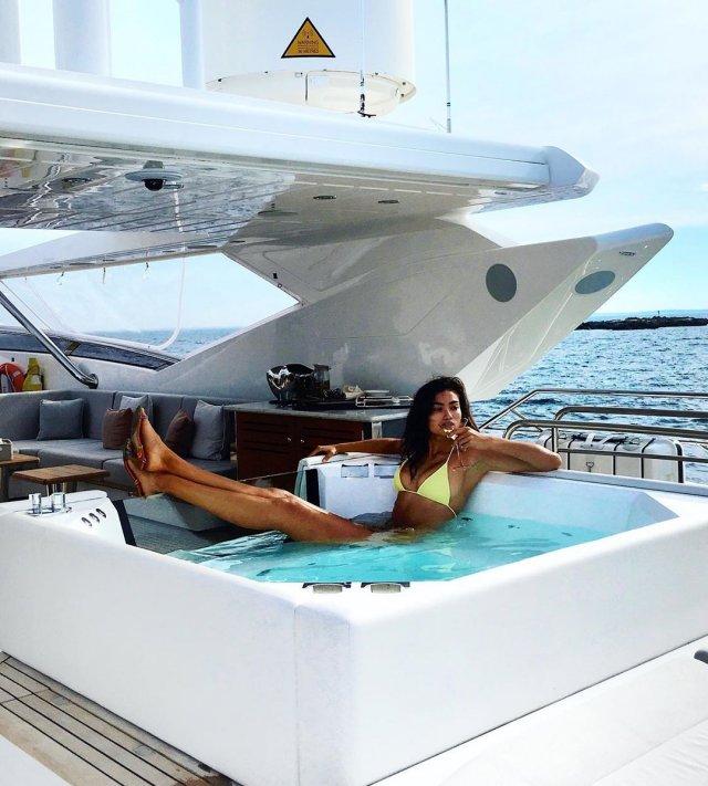 Модель Victoria's Secret Келли Гейл в горячей фотосессии (23 фото)