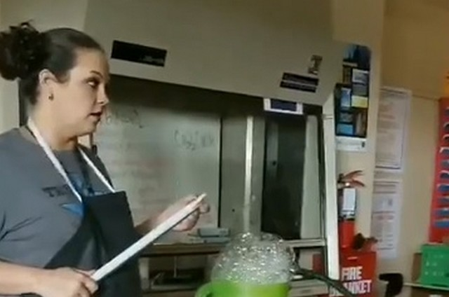 Этот учитель точно знает, что делает