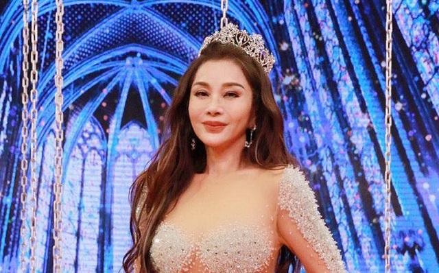 "Актриса Чэнь Мэйфэн - ""самая горячая тетя Тайваня"" (16 фото)"