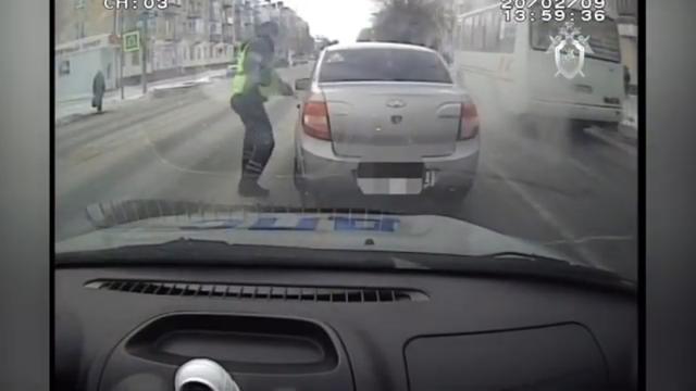 В Курганской области нетрезвый водитель протащил инспектора по асфальту