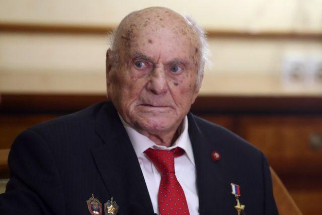 На 104-м году жизни умер легендарный разведчик Алексей Ботян