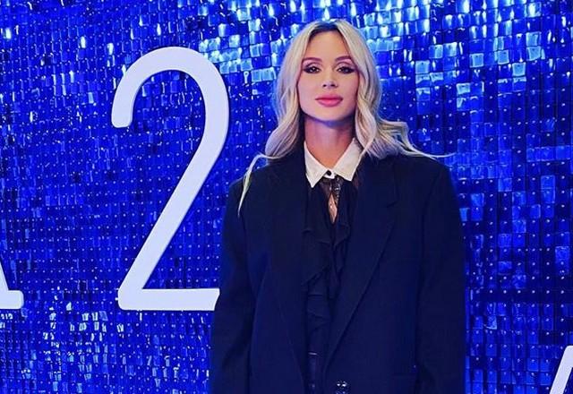 Светлана Лобода в черном костюме