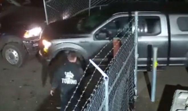 автоледи таранит ворота штрафстоянки джипом
