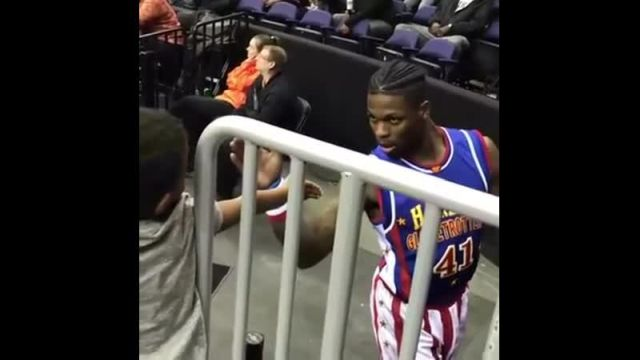 Баскетболист и ребенок