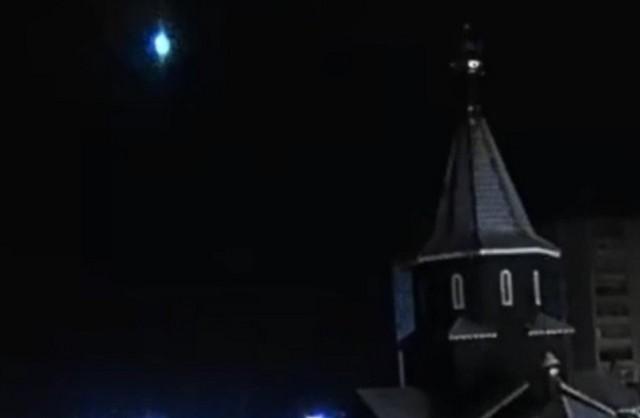 Церковь в Карелии в ночное время