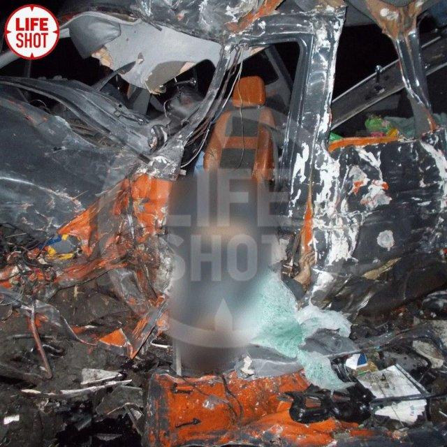 В серьезном ДТП в Псковской области погибли 8 человек (4 фото)