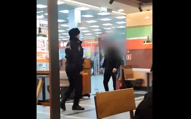 Драка с полицейскими