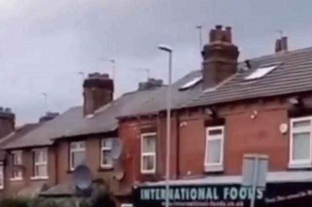 Крыши кирпичных домов