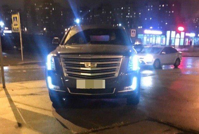 Автомобиль на переходном переходе в Санкт-Петербурге