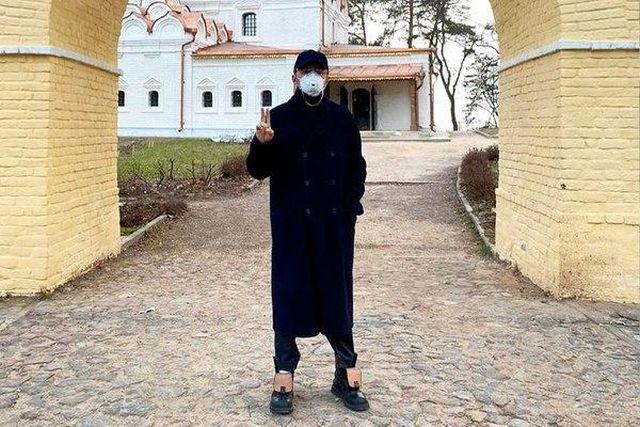 Сергей Шнуров в маске