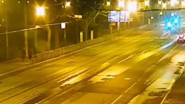 Ловким движением руки ВАЗ 2115 превращается в огненный шар (2 фото + видео)
