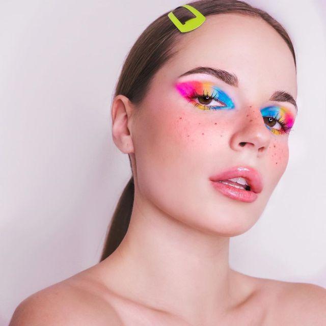 Саша Спилберг сделала радужный make-up