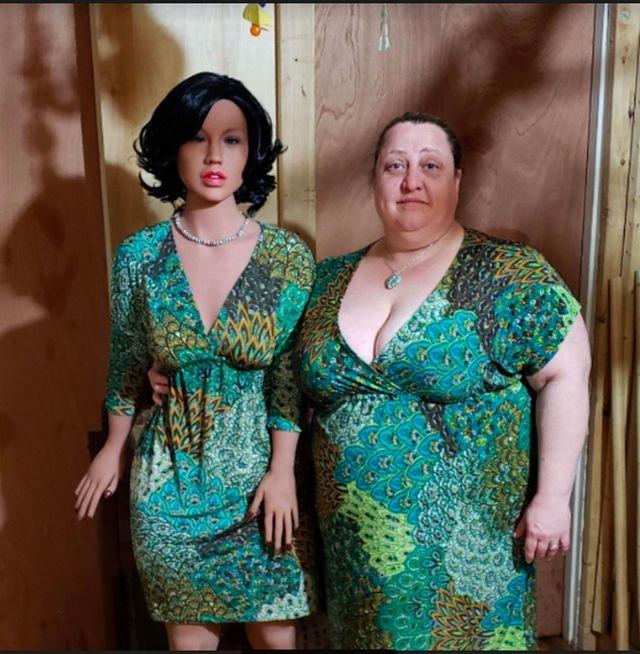 Шелли и секс-кукла Камила
