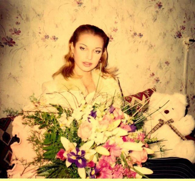 Анастасия Волочкова с цветами