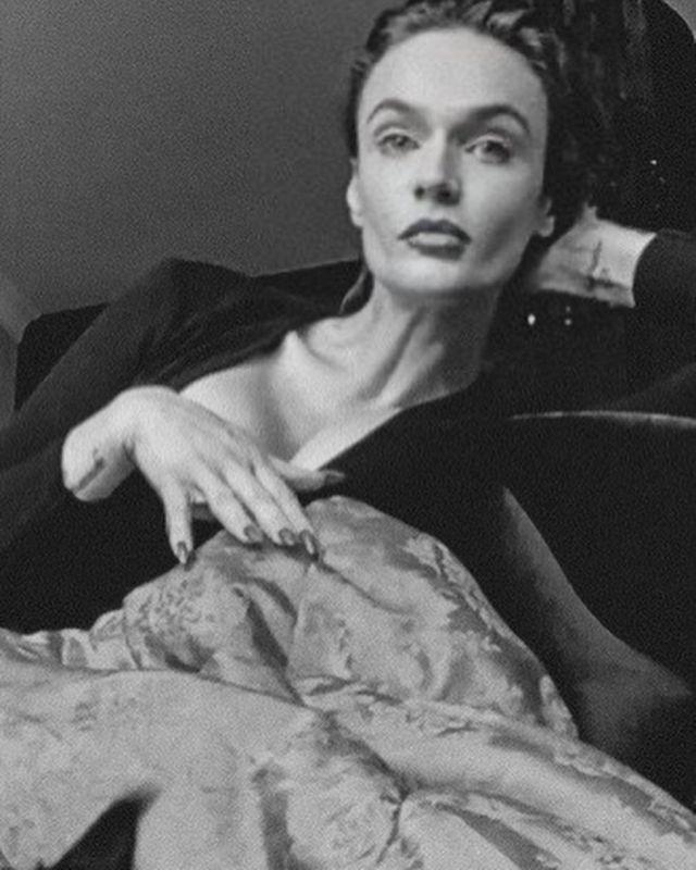 Алена Водонаева черно-белые фото