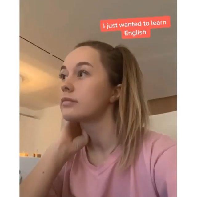 Ольга Катышева учит английский язык