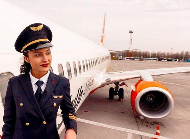 Реакция пользователей социальных сетей на новость о 23-летней девушке-пилоте (10 фото + видео)