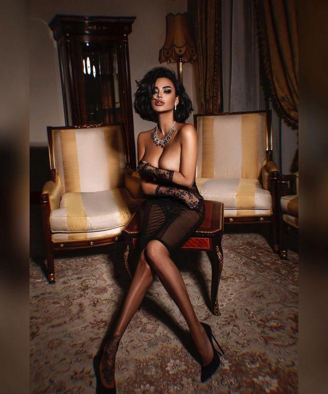 Нита Кузьмина в элегантной и откровенной фотосессии