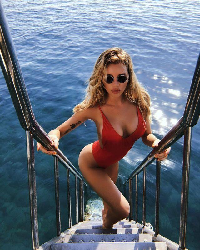 Оля Абрамович мечтает отправиться на море