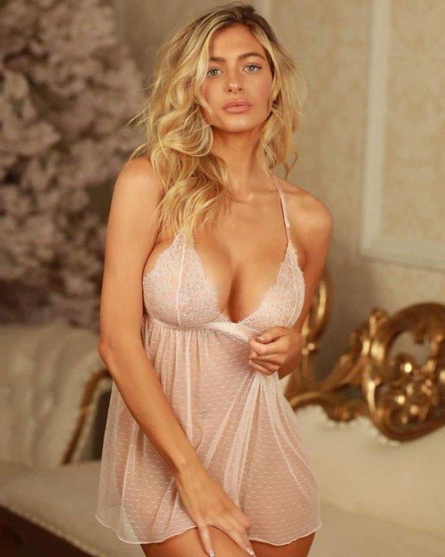 Красивые девушки в нижнем белье (25 фото)