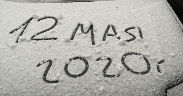 В России внезапно выпал снег: реакция соцсетей