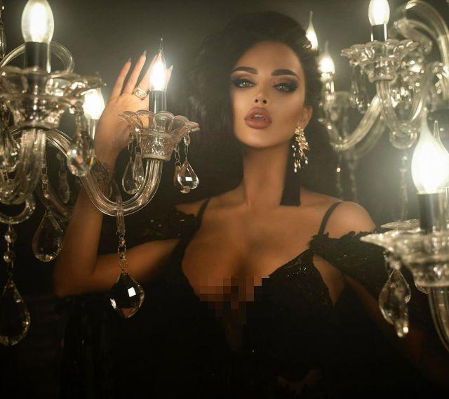 Нита Кузьмина в откровенном вечернем платье