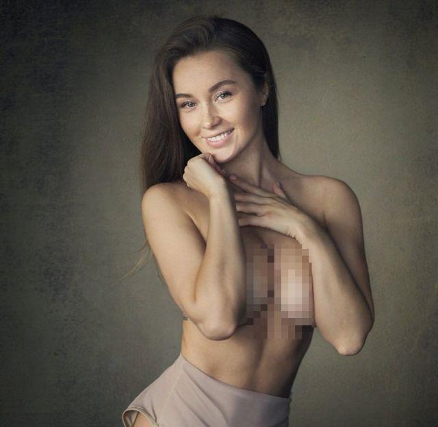 Ольга Катышева позирует топлес