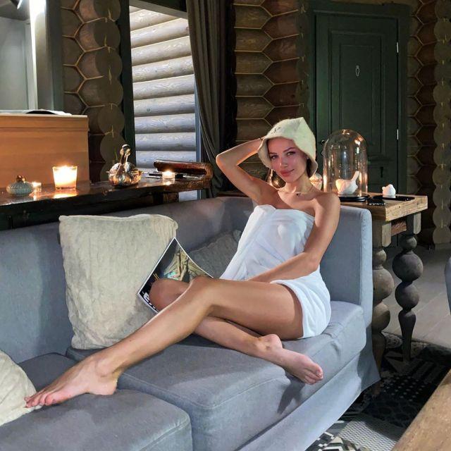 Инесса Шевчук в банной шапочке