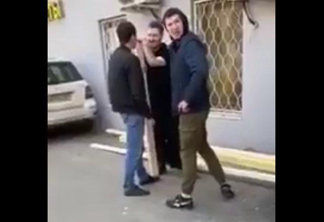 Жителям Кавказа не понравились штаны на парне
