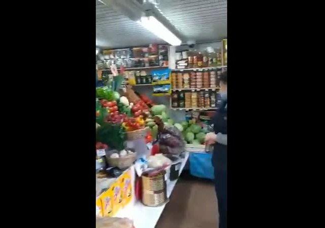 Продавец отказалась обслуживать покупательницу без маски