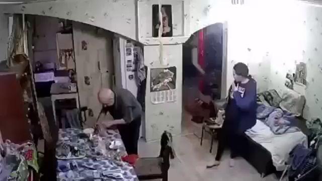 Воровки в квартире