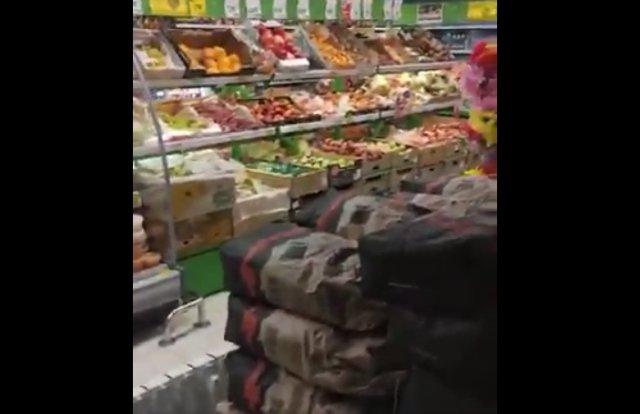 Свежачок в продуктовом магазине