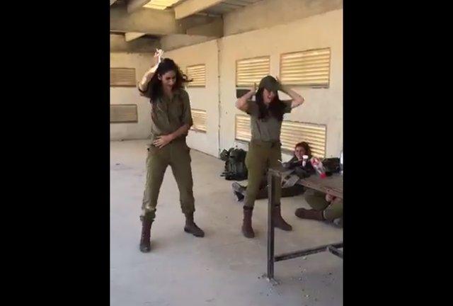 Танец в стиле Little Big и солдатки