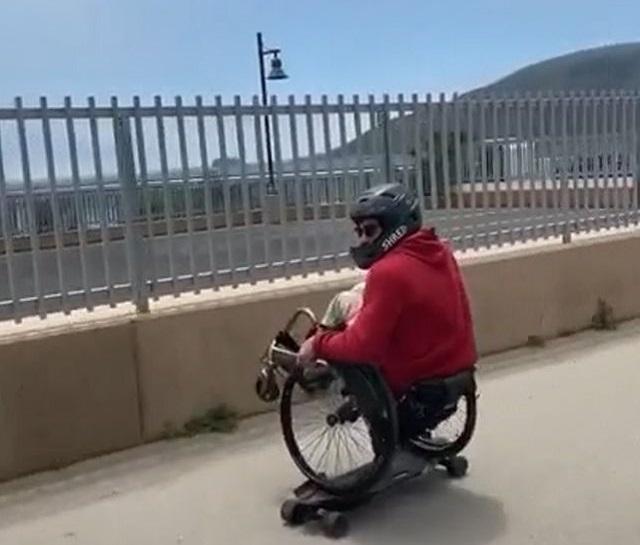 Инвалид на скейте