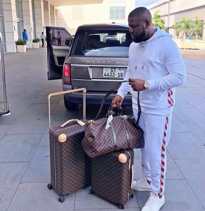 В Дубае арестовали звезду Instagram Раймонда Аббаса – в его квартире нашли больше 37 млн долларов наличными (21 фото)