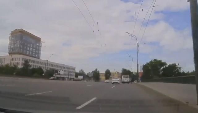 Авария у Большеохтинского моста